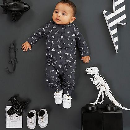 Kindermusthaves - Adorable newborn!