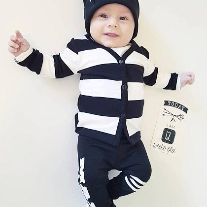Kindermusthaves - Black and white cardigan!