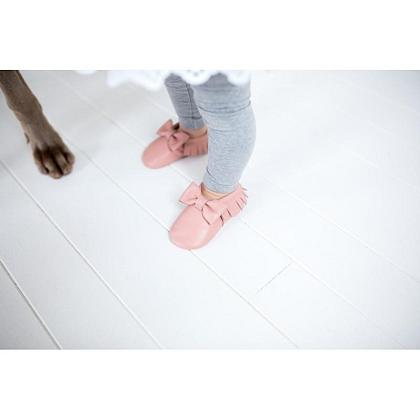 Kindermusthaves - Soft pink Mockies!