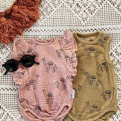 Kindermusthaves - Loose fit rompers!