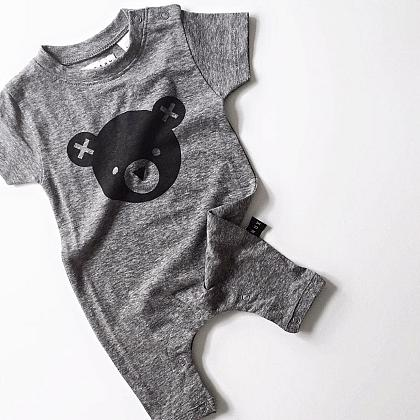 Kindermusthaves - Cute onesie!