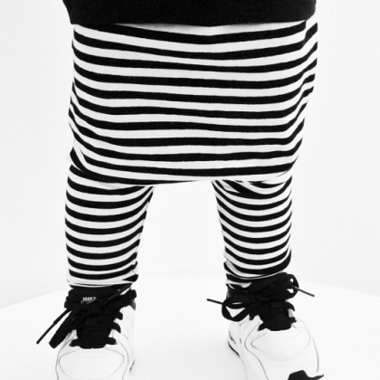 Kindermusthaves - Harems Black & White Stripes