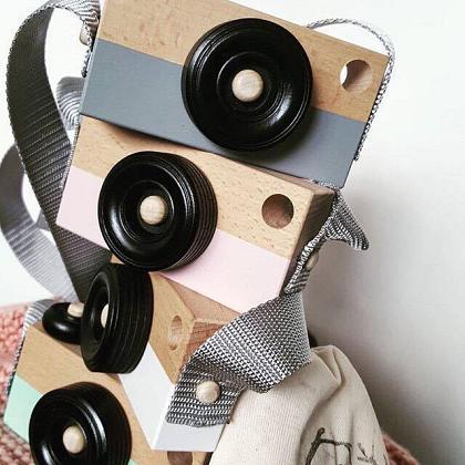 Kindermusthaves - WIN! Deze geweldige houten camera!