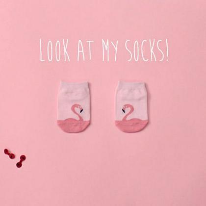 Kindermusthaves - Look at my socks!