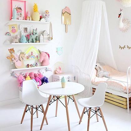 Kindermusthaves - Tafeltje met stoeltjes!