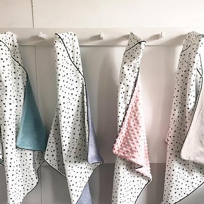 Kindermusthaves - Wikkeldoeken met dots!