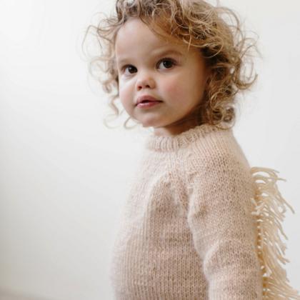 Kindermusthaves - Prachtige trui met franjes!