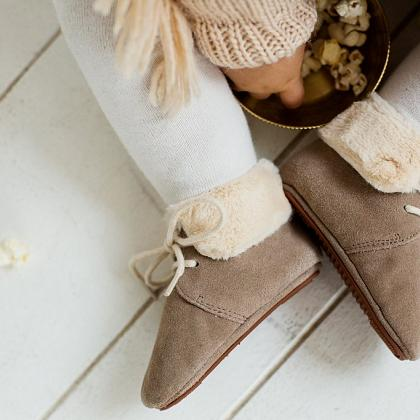 Kindermusthaves - Fur Boots!