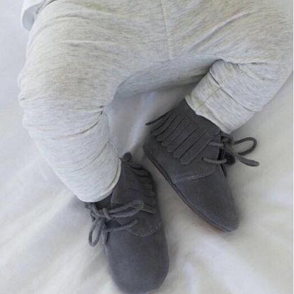 Kindermusthaves - Fringe boots!