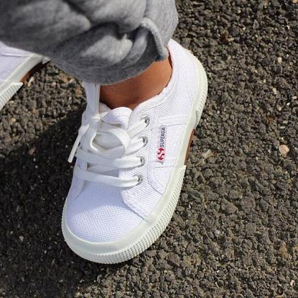 Kindermusthaves - We love Superga\'s!