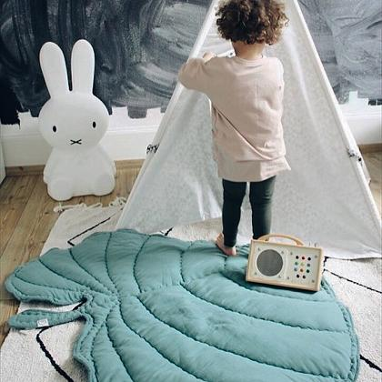 Kindermusthaves - Leaf blanket!