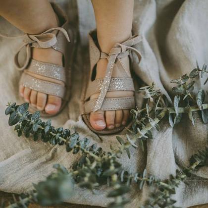 Kindermusthaves - Metallic sandaaltjes!