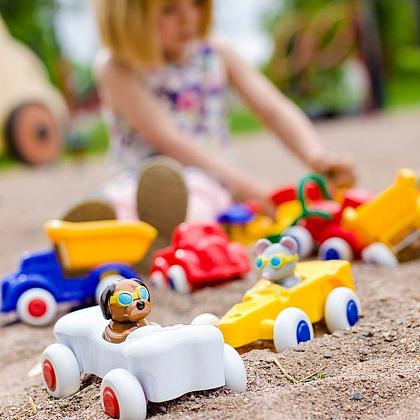 Kindermusthaves - Let\'s race!