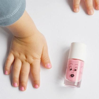 Kindermusthaves - Shiny nails!