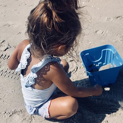 Kindermusthaves - Swimsuit alert!