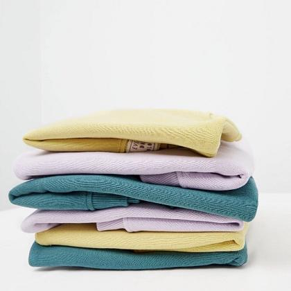 Kindermusthaves - Budget basis sweaters!