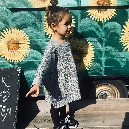 Kindermusthaves - Big sweater alert!