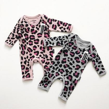 Kindermusthaves - Leopard onesies!