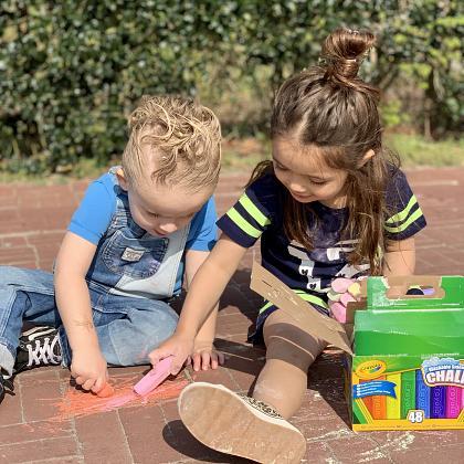 Kindermusthaves - IN THE SPOTLIGHTS: Het afwasbare stoepkrijt van Crayola!