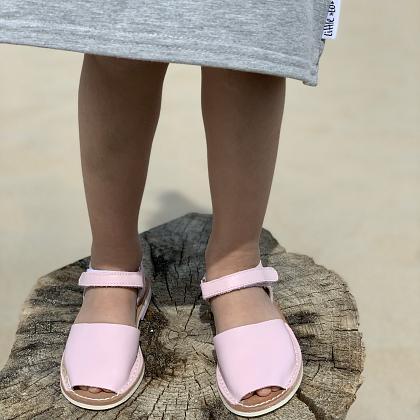Kindermusthaves - Zacht roze sandalen!