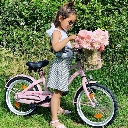Kindermusthaves - IN THE SPOTLIGHTS: De Alpina Ocean meisjesfiets in nieuwe zomerse kleuren!