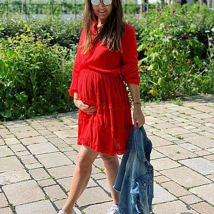 Kindermusthaves - Lady in Red!
