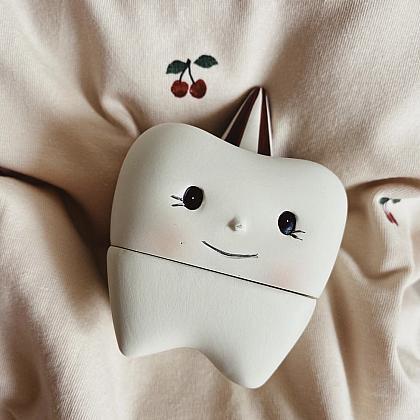 Kindermusthaves - Tandendoosje in de vorm van een tand!