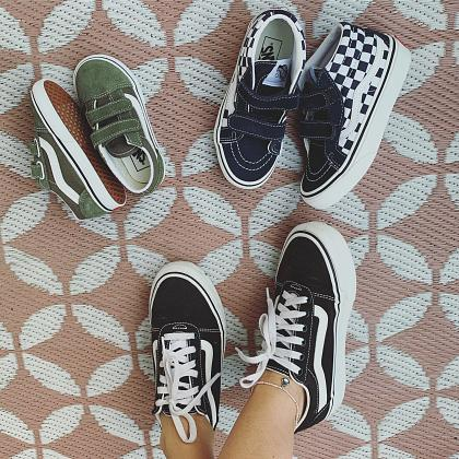 Kindermusthaves - Back to School Vans!
