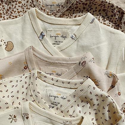 Kindermusthaves - Newborn onesies van Konges Slojd!