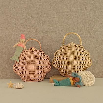 Kindermusthaves - Bags & Clutches!
