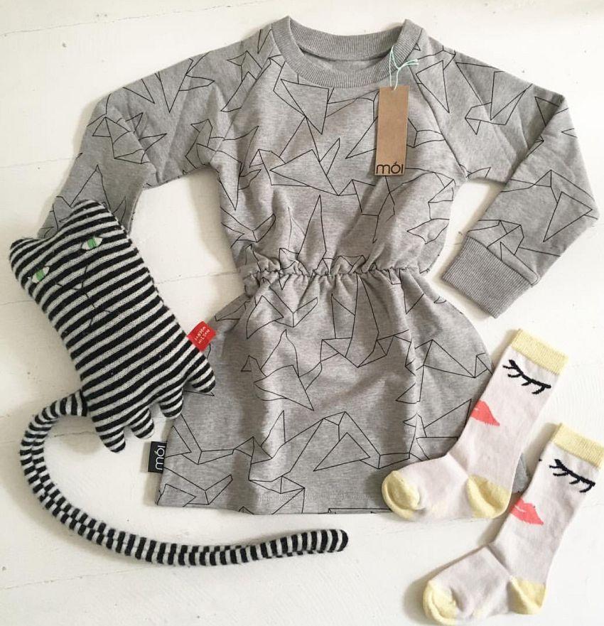 Sweaterdress met sokken!