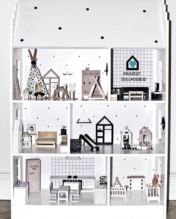 Lovely dollhouse!