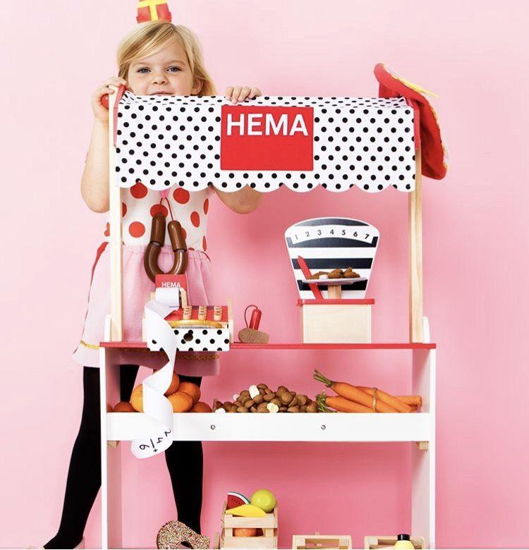 Sint shoppen bij Hema!